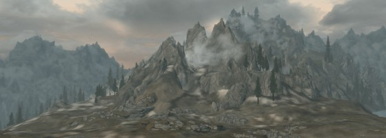 2013 01 08 00001 560x200 The Short End of Skyrim